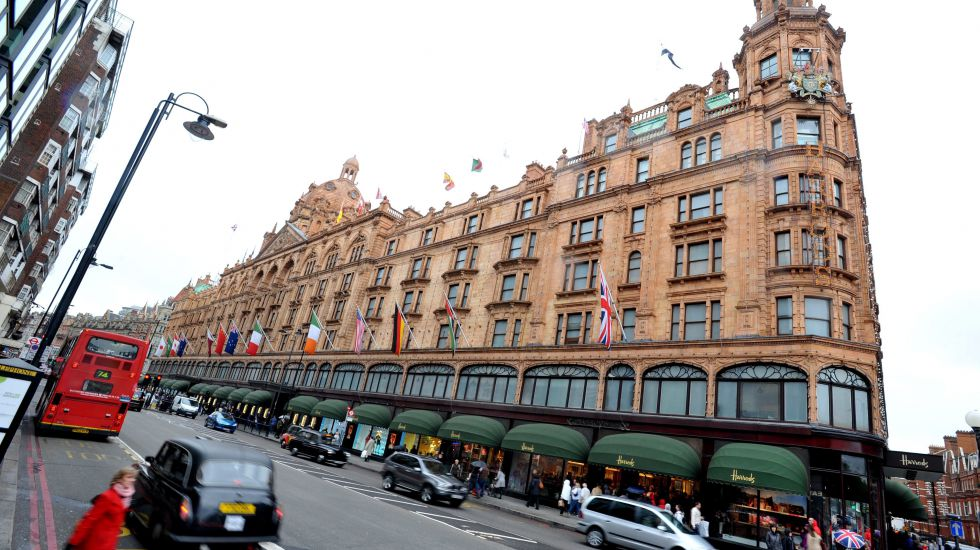 "Das Luxus-Kaufhaus ""Harrods"" in London"